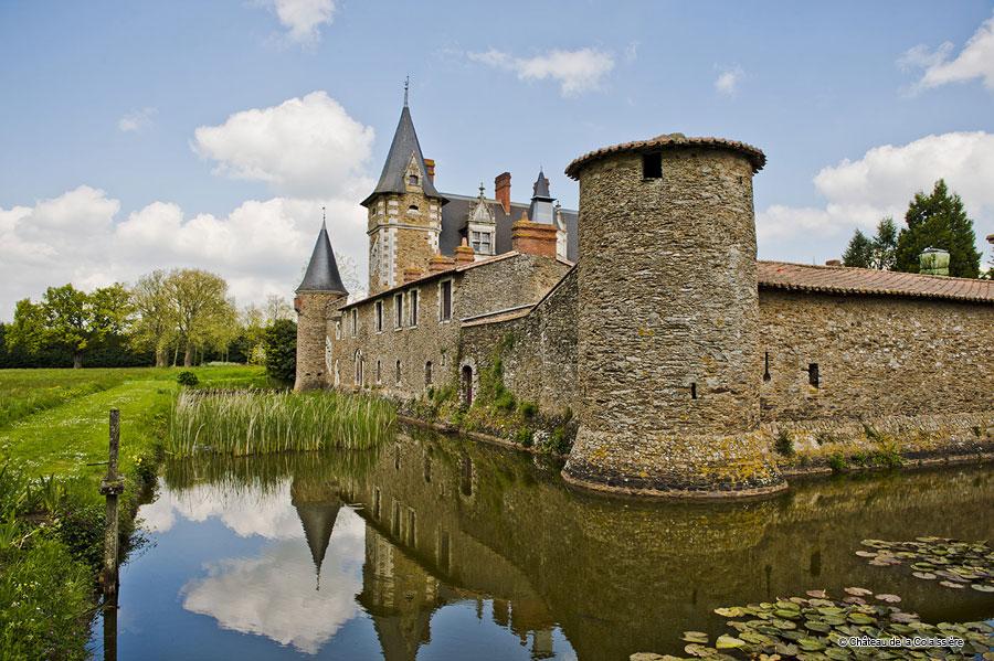 Luxury castle hotel booking castle hotel reservation dlw for Chateau de la colaissiere